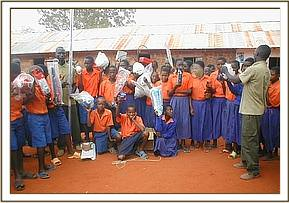Presentation of sporting equipments at Gimba prim