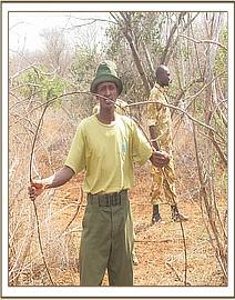 Tiva team removing snares at Umbi area
