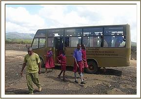 Musiini students arrive at Shetani lava