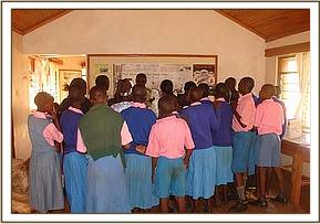 Kawelu pupils at information centre