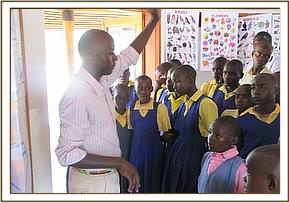 Kwamba pupils at the information centre