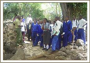 Alan mjomba students at Mzima springs