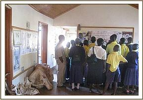 Kikwasuni pupils at information center