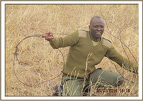 Lifting medium snares targeting rhinos