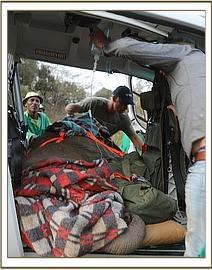 Sagala nach der Ankunft im Helikopter