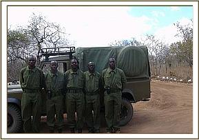 Chyulu Desnaring team who rescued Chyulu