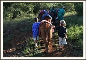 Taru & Roan walk the orphans back to the stockade